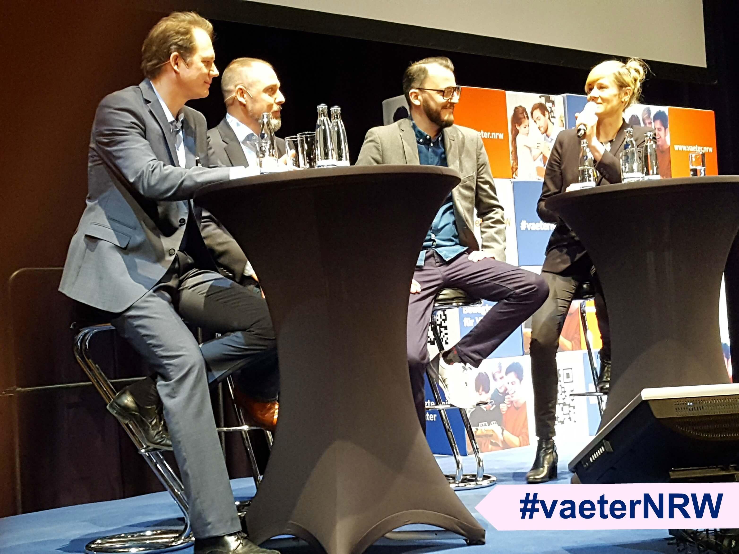 """Podiumsdiskussion auf dem Fachkongress """"Bewegte Zeiten für Väter"""" #vaeterNRW"""