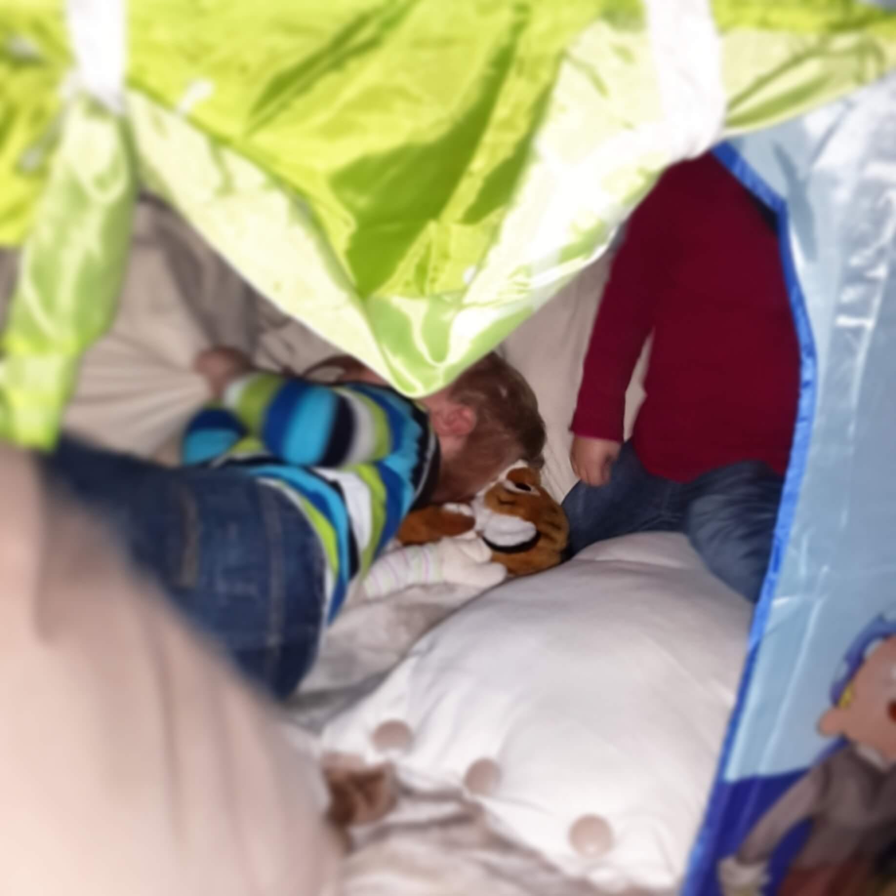 Zwillinge im Zelt