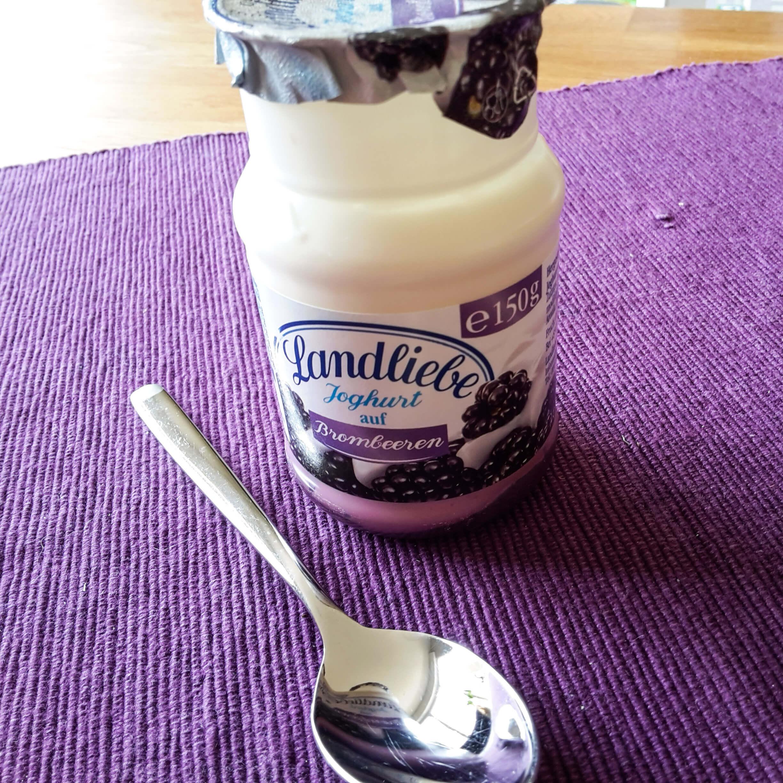 Pause mit Joghurt