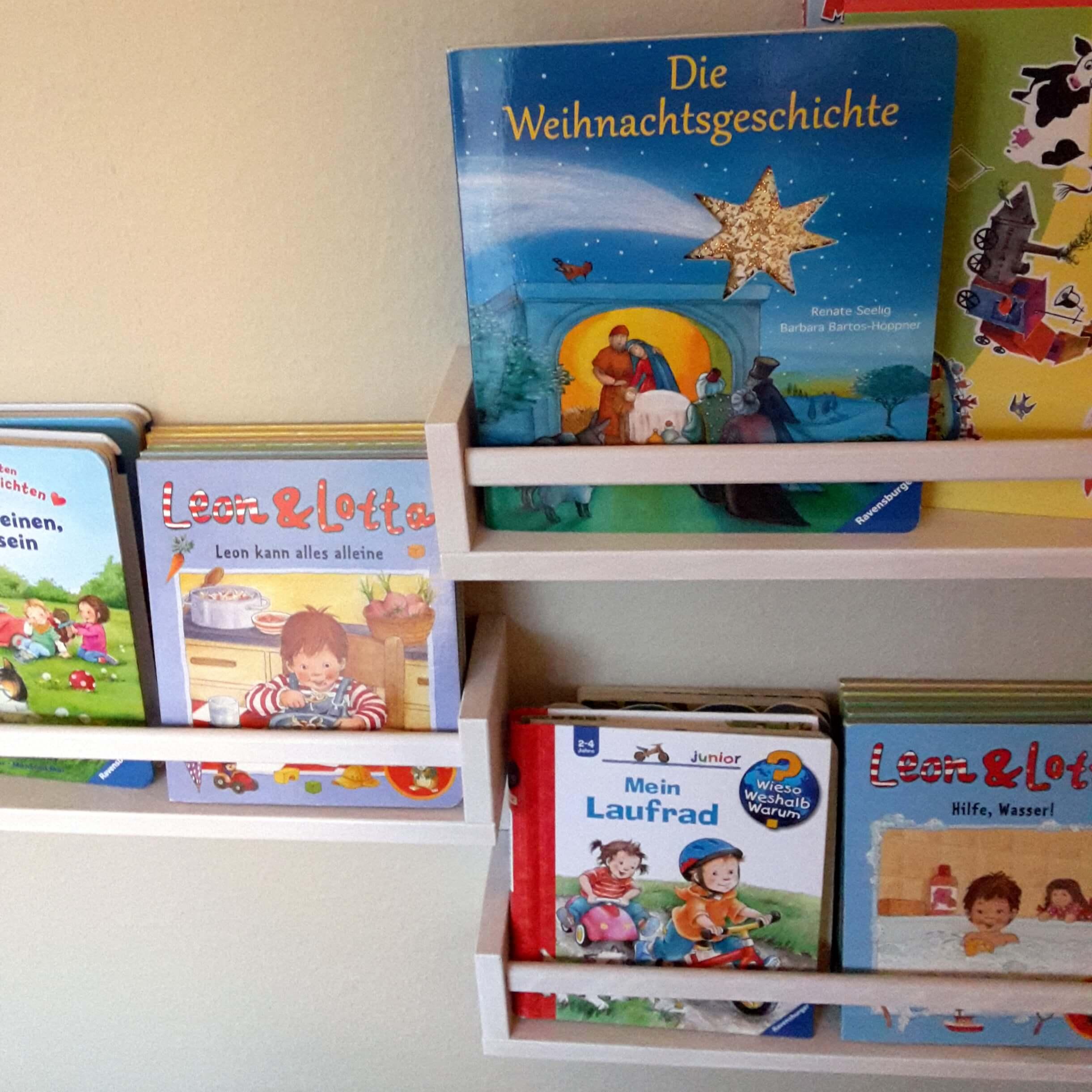 IKEA Gewürzregal als Bücherregal für Kinder