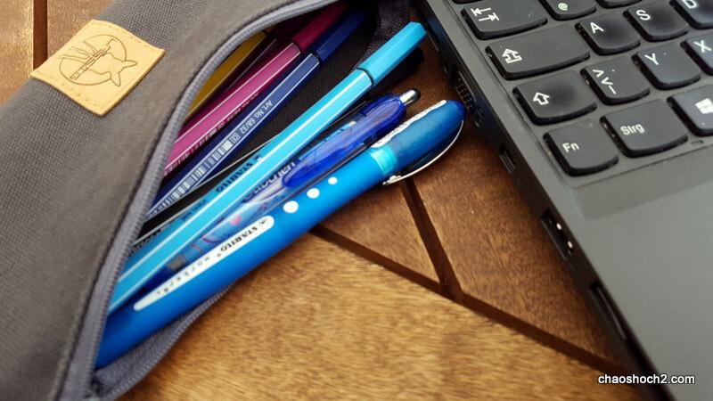 laptop-und-stifte