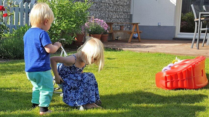 Wochenende_Elternblog_Kinder-spielen-Familie