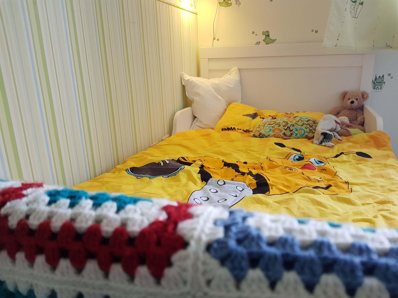 Neues Bett für den dreijährigen Krümel